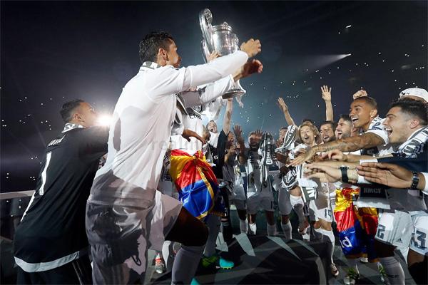 La Undecima Copa de Europa de Real Madrid Champions 2016 celebración jugadores Bernabéu