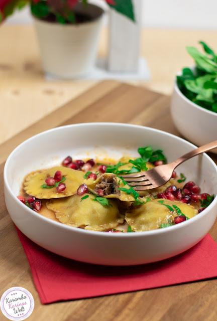 Ravioli mit Gänsefleisch-Maronen-Füllung