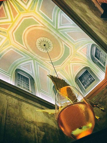 元大学だったという荘厳な建物を改築したレストラン、Chiado Palace