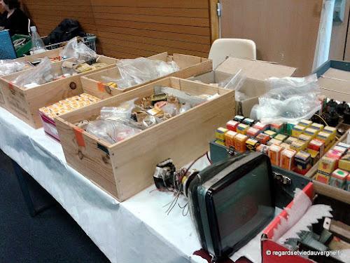 Expo/bourse Radiomania Clermont-Ferrand 2017 composants