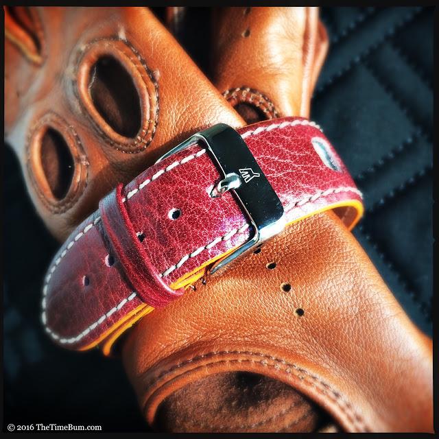 Moto Koure MK I MechaQuartz Burgundy Dial strap