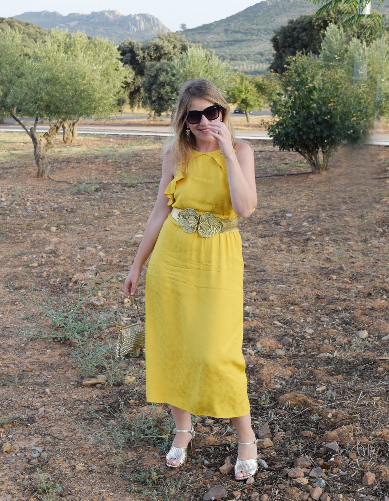 Look_amarillo_invitada_boda