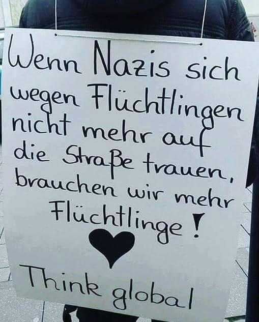 Statt Merkels Abschiebungspolitik: ein einsamer Humanist mutig in Naziland