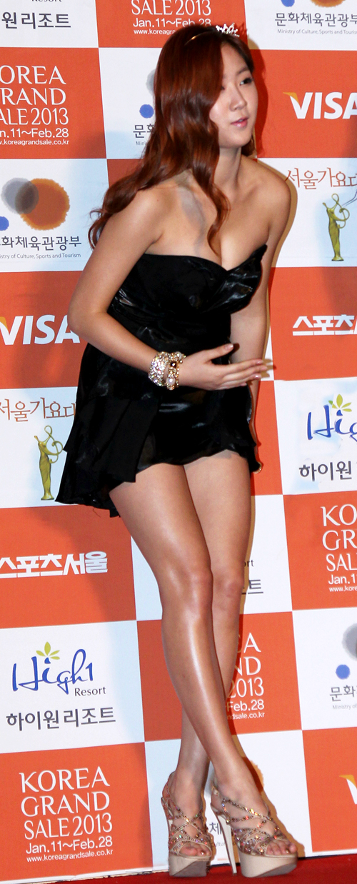 So You (소유) Sistar (씨스타) - '22th Seoul Music Awards' ceremony on 31 January 2013 held at Seoul Olympic Park, SK Olympic Handball Arena.