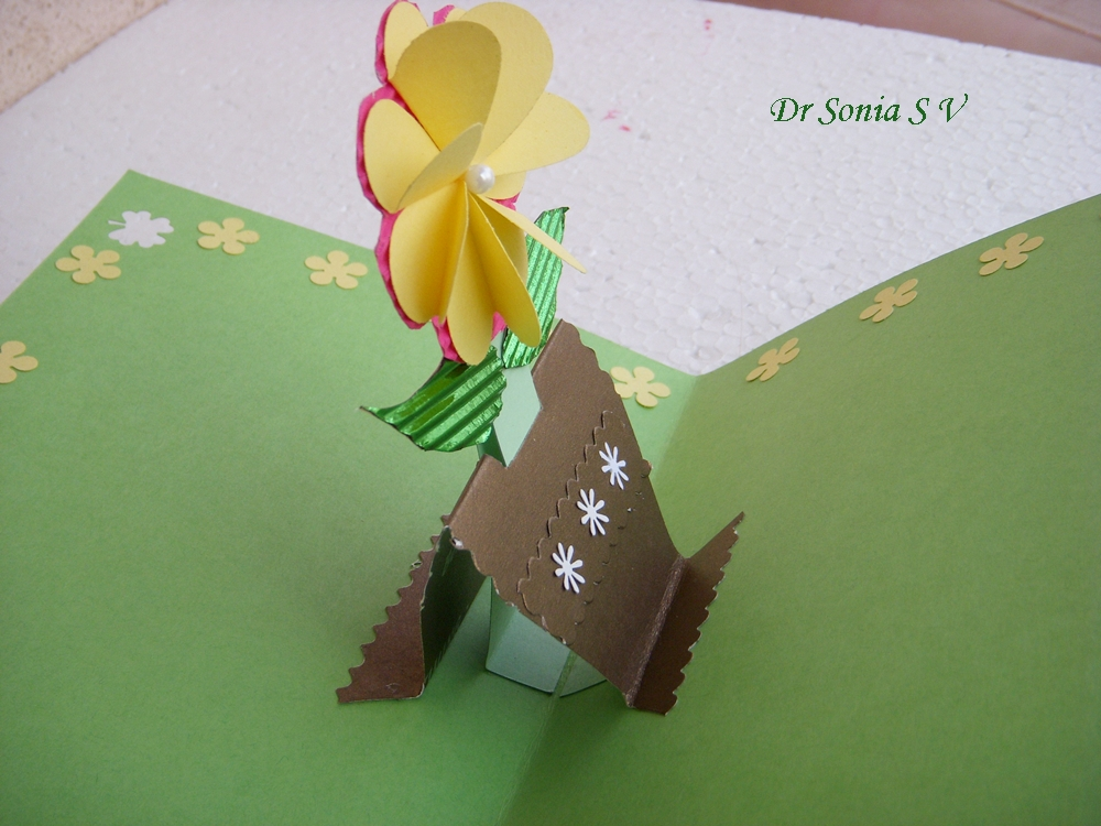 Cards crafts kids projects pop up card growing flower for Pop up card craft