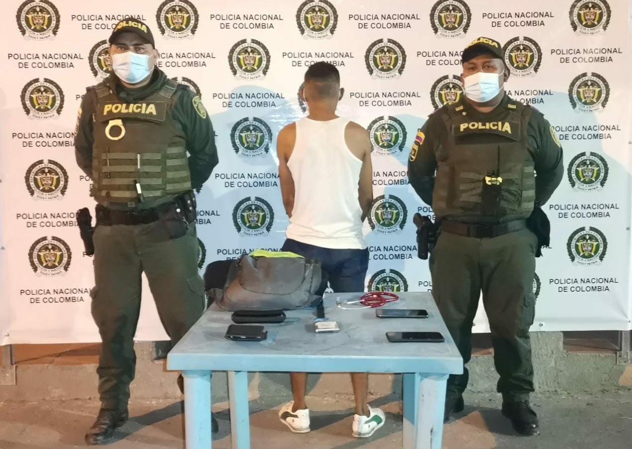 https://www.notasrosas.com/En Maicao: Un capturado por Uso de Arma de Fuego Ilegal y otro, por el Delito de Hurto