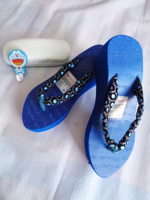 Sandal Merlin ASLI Spon Tebal-kain biru