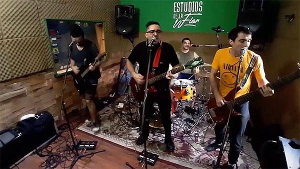 """Free Excesses perform """"En el Ojo de la Tormenta"""" at Fast Life Sessions"""