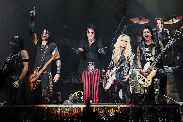 """Alice Cooper Have Released New Single """"Don't Give Up"""" : Message for Covid-19 Warriors"""