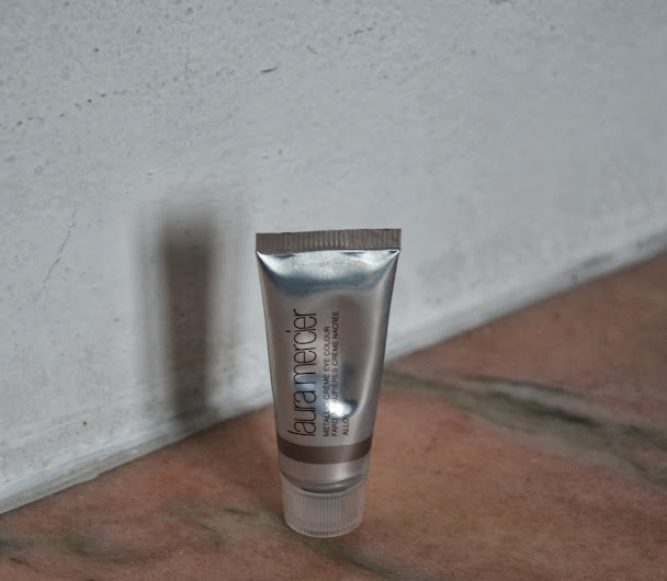 Review: Laura Mercier Metallic Creme Eye Color in Alloy