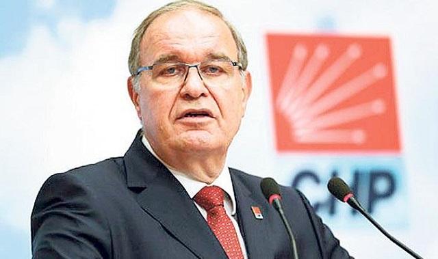 Cumhuriyet Halk Partisi CHP sözcüsü Faik Öztrak kimdir? aslen nerelidir? kaç yaşında? biyografisi, siyasi kariyeri ve hayatı hakkında kısa bilgi.