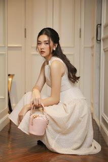 Chỉ một kiểu tóc đơn giản, Á hậu Tường San đã hóa thành 'nàng thơ'