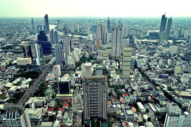 MahaNakhon Skywalk czyli najwyższy taras widokowy w Bangkoku