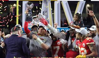 FÚTBOL AMERICANO (Super Bowl LIV) - Los Kansas City Chiefs de Mahomes reinan 50 años después