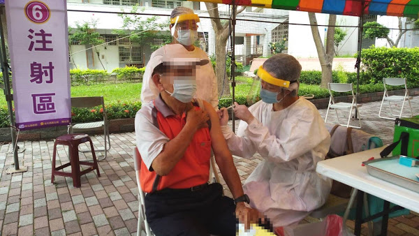 彰化縣長者預約新冠疫苗開打 下一波滿90歲造冊通知施打