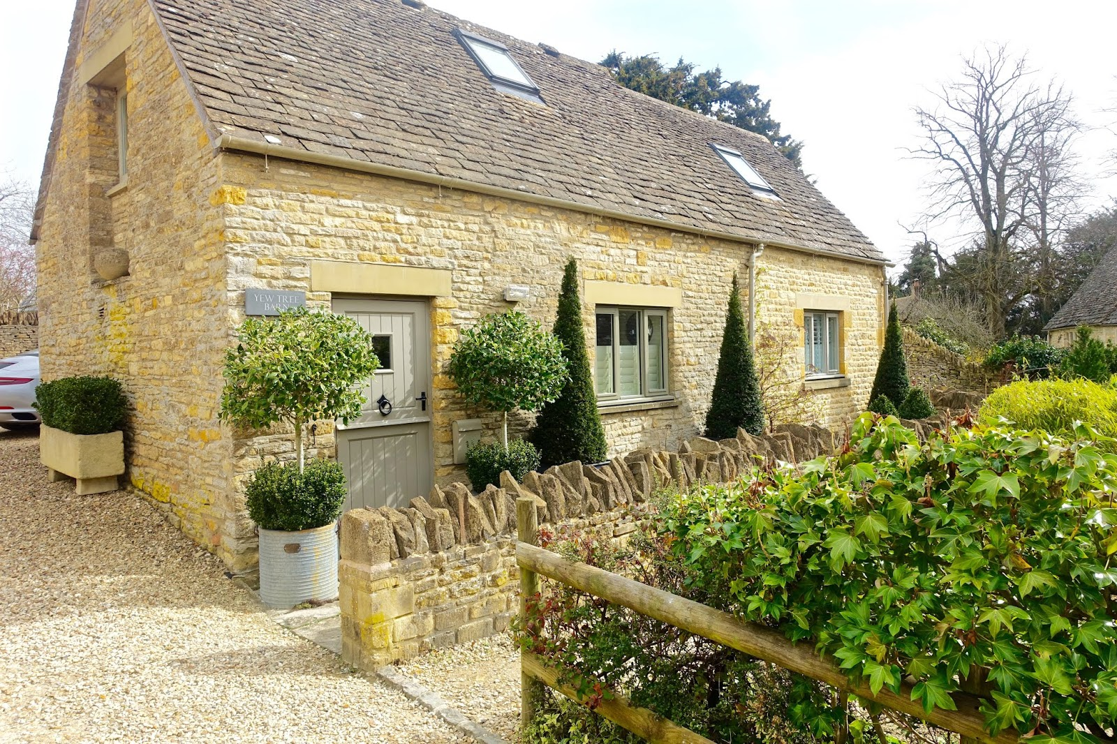 Yew Tree Barn Holiday Cottage in the Cotswolds