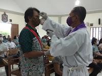 Misa Ekaristi Rabu Abu Di Gereja St.Ignatius Kalasan Dengan Prokes Ketat