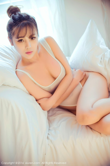 Hot girls Sexy porn chinese model with thin bikini 3