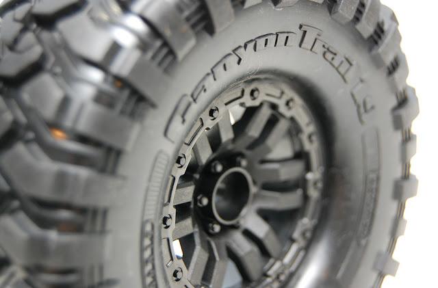 Traxxas TRX-4 tire details