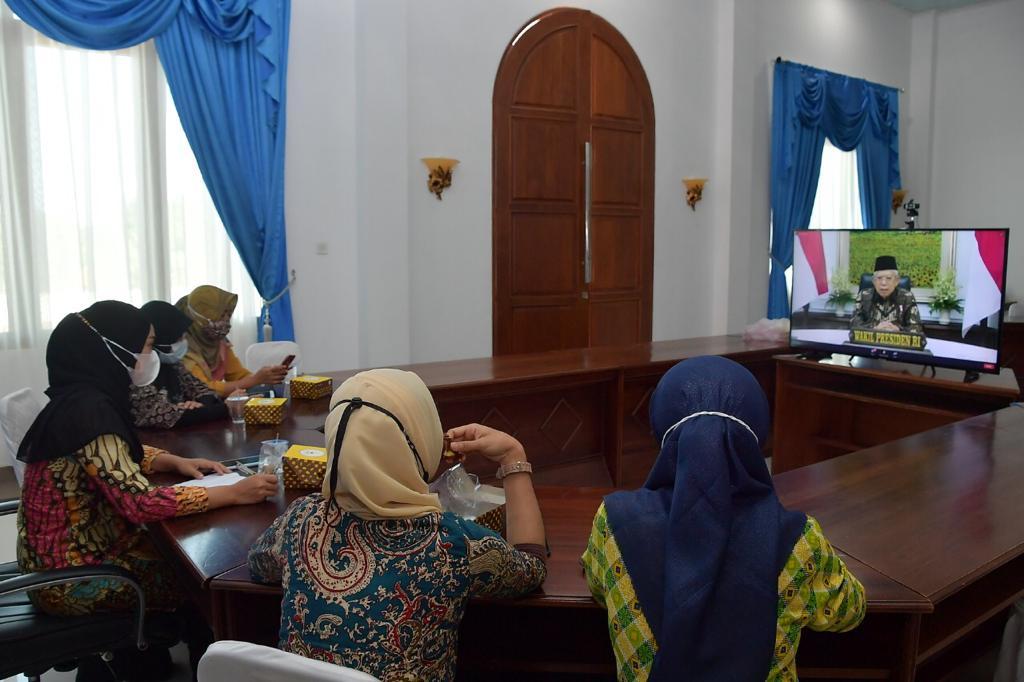 Ketua Dekranasda KabupTen Natuna Mengikuti Pembukaan Pameran II-Motion 2021 Secara Virtual