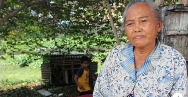 Mbah Sri 13 Tahun Hidup di Rumah 2x2 Meter Persegi di Semarang, Dinding Cuma Pakai Kain Sarung