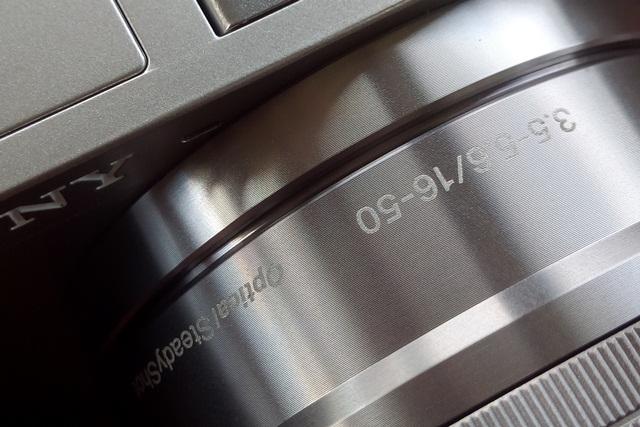 Bagian mounting body kamera dan lensa, tempat rawan debu bersembunyi sebelum masuk ke sensor kamera