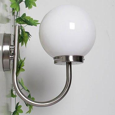 Tô điểm nội thất với những mẫu đèn gắn tường inox bóng tròn bắt mắt