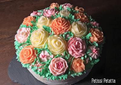 fleurs en crème au beurre, crème au beurre, modelage des fleurs en crème au beurre, buttercream, modeling buttercream flowers, décoration de gâteau, cake design, gâteau design, gâteau fleuri, patissi-patatta
