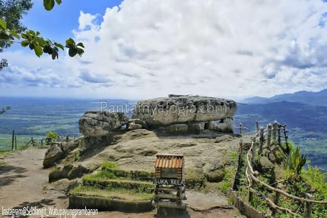 bukit selo langit wisata watu payung prambanan jogja