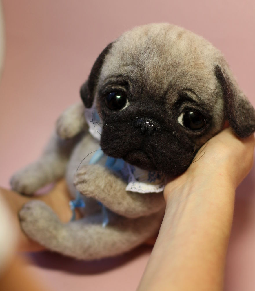 17-Pug-Dog-Tatiana-Barakova-Татьяна-Баракова-Plush-little-Animals-made-of-Wool-www-designstack-co