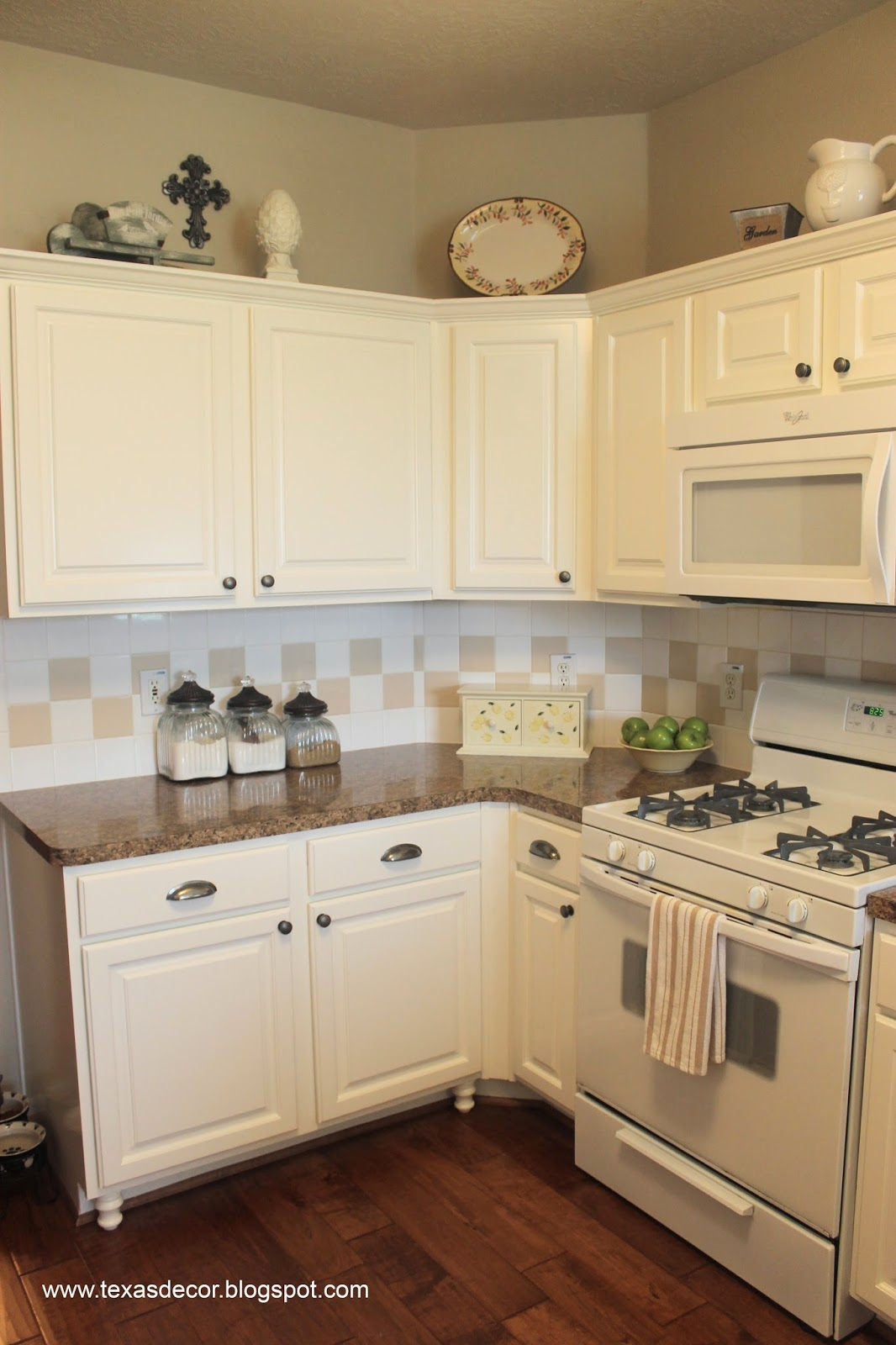 Texas Decor: Painted Kitchen Cabinet Reveal