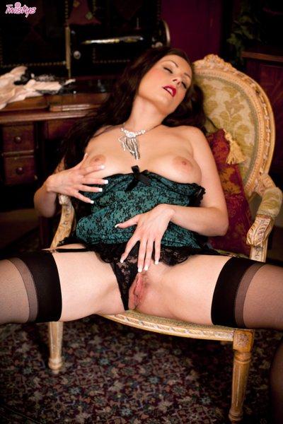 Twistsl18 Sophia Delane - Do I Make You Stiff? 07150