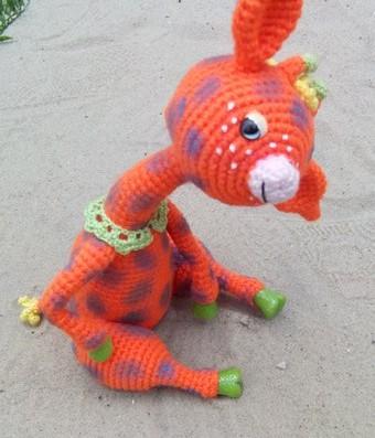 Вязаный крючком жираф