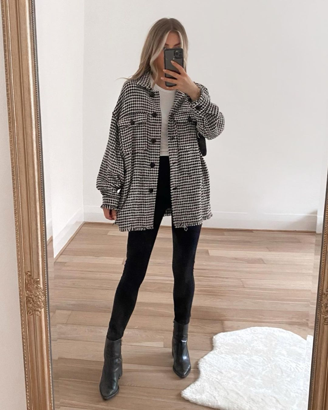 22 Houndstooth Coats and Jackets for Fall and Winter — Lydia Rose @fashioninflux instagram look with houndstooth shacket, leggings, and ankle boots