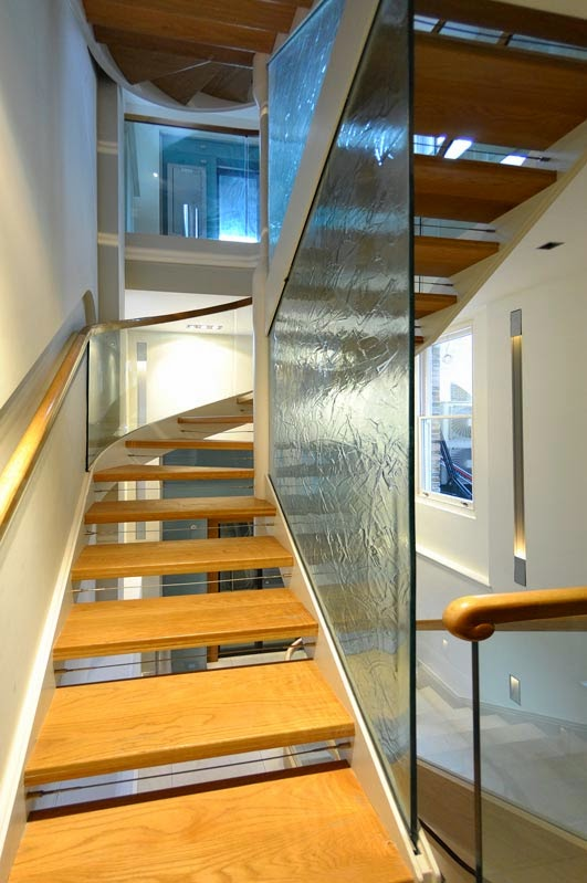 Luxury classic stairs designs and interior stair railing ideas for Luxury staircases