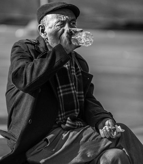 minum sambil duduk akan lebih baik