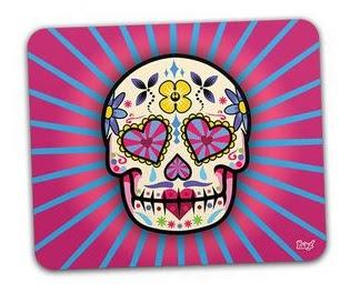 http://www.gorilaclube.com.br/mouse-pad-caveira-mexicana-dia-dos-mortos-rosa/p