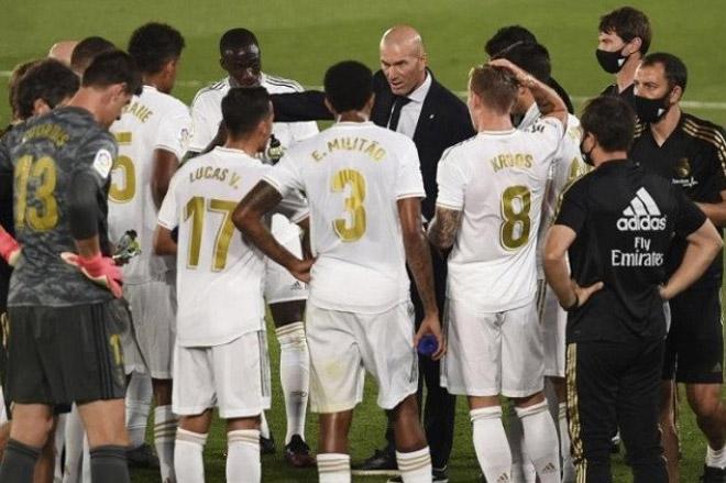 """Real bị loại khỏi Cúp C1: Zidane quyết định """"trảm"""" 9 SAO gây choáng"""