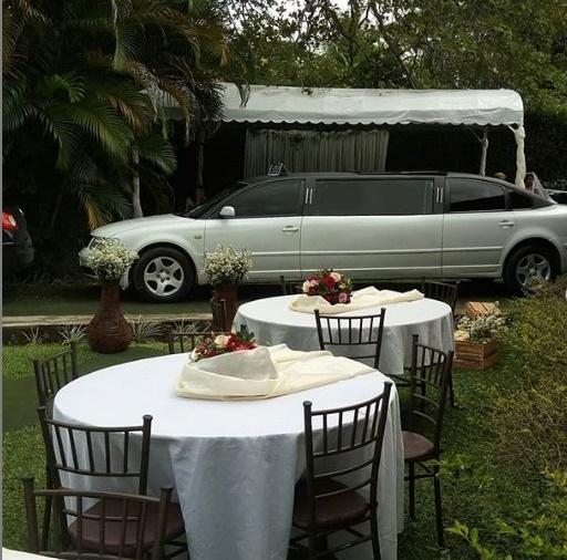 Embarque numa linda limusine para realizar seu evento: casamento, 15 anos ou formatura de ABC