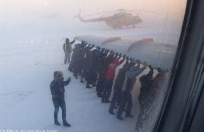 Lustiges Flughafen Bilder zum lachen Schneechaos