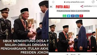 Cara Jokower Mencari 'Nafkah': Foto Hoax Jokowi Beri Penghargaan kepada Ridwan Saidi