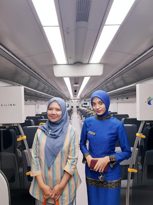 pengalaman pertamaku naik kereta bandara railink soekarno hatta seorang diri nurul sufitri travel lifestyle blogger review fasilitas transportasi