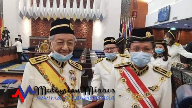 Selepas mengecewakan negara, mana mungkin DYMM Agong sanggup melantik Mahathir sebagai Perdana Menteri ke-9 walaupun beliau mempunyai sokongan yang cukup seperti yang didakwa oleh Shafie Apdal?