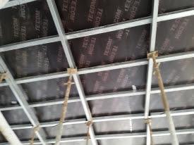 Ván ép Tekcom có cấu tạo từ nhiều lớp gỗ ghép lại