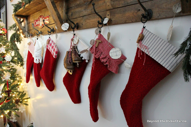 stockings, farmhouse decor, stocking holder, https://goo.gl/xpejCP