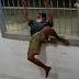 CARA DE PAU: ASSALTANTE ATRAVESSA GRADE DE JANELA PARA ROUBAR ESTABELECIMENTO EM MANAUS; VEJA VÍDEO