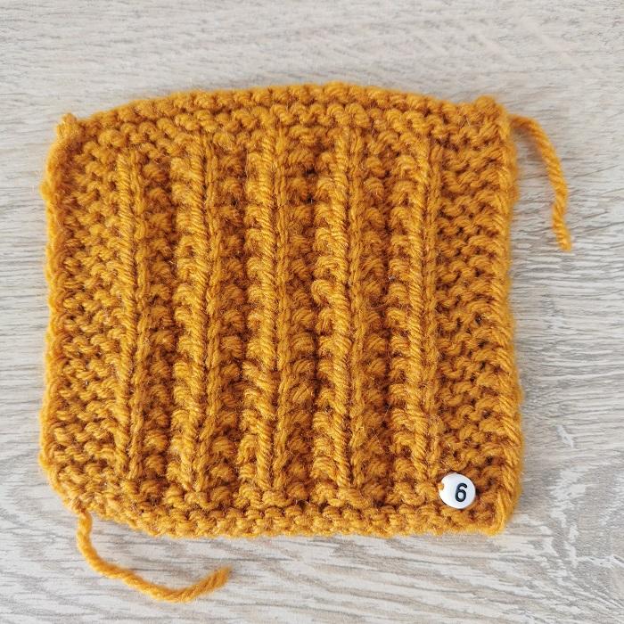 fausses côtes anglaises au tricot, vue de face, par Chat Tricote Par Ici, Hello c'est Marine