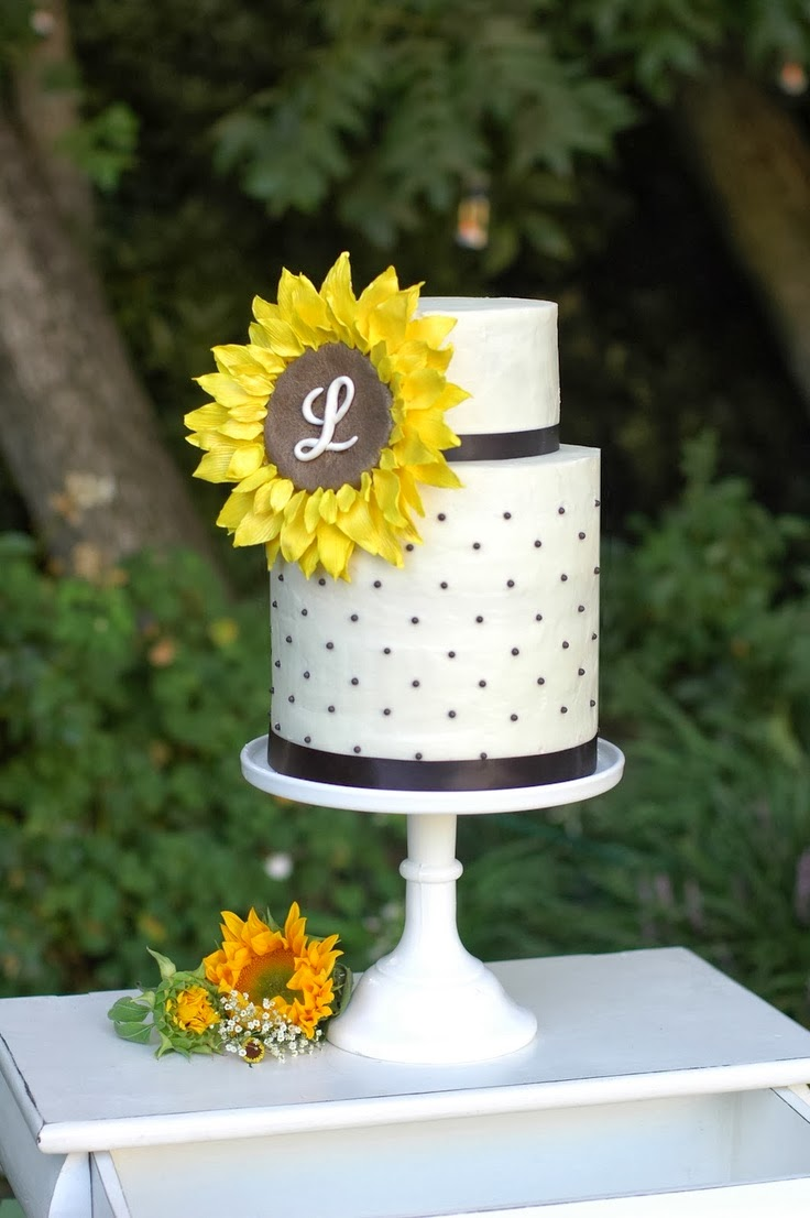 Serve a Sunflower Wedding Cake To Showcase Your Style