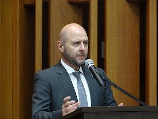 O Prof. Dr. Paulo Eduardo Vieira de Oliveira.