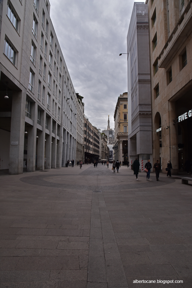 Milano ai tempi del coronavirus, corso  vittorio emanuele